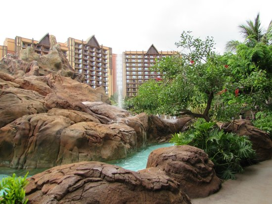 Aulani, a Disney Resort & Spa: grounds