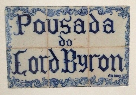Lawrence's Hotel: Tile sign that the poet Lord Byron had stayed in what is now the Lord Byron Suite