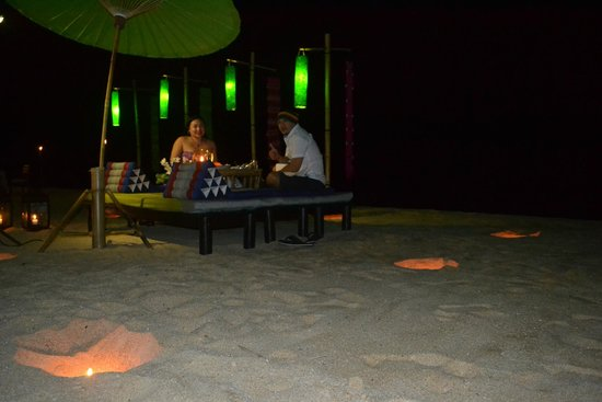 The Sea Koh Samui Boutique Resort & Residences : Romantic dinner on the beach