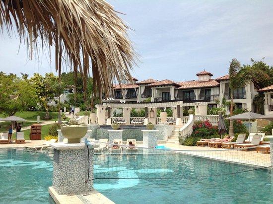 Sandals LaSource Grenada Resort and Spa: Pool Area