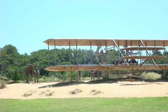 Wright Brothers National Memorial : Outside display