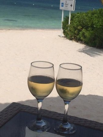 Beloved Playa Mujeres: Wine on the beach at El Mar