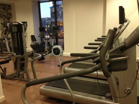 DoubleTree by Hilton Manchester Piccadilly: Gym