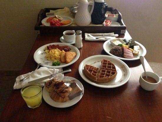 The Westin Golf Resort & Spa, Playa Conchal: Room service breakfast delicious!