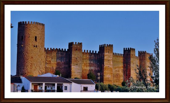 Vista del castillo picture of banos de la encina castle banos de la encina tripadvisor - Castillo de banos de la encina ...