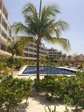 Beloved Playa Mujeres: Swimming pools