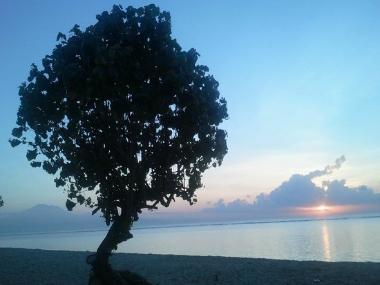 Inna Grand Bali Beach Hotel: Early morning sunrise, peaceful bliss