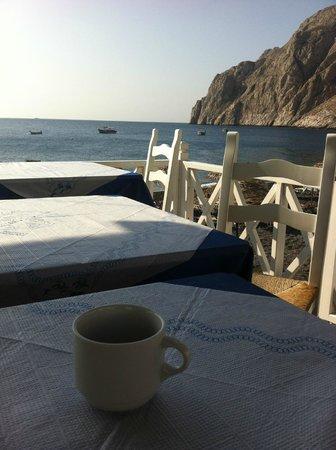 Poseidon Beach Hotel: Petit déjeuner en bord de mer ... que du bonheur !
