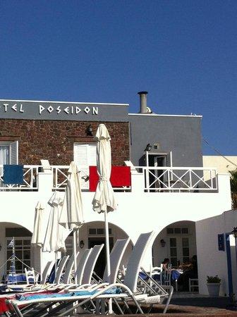 Poseidon Beach Hotel: Facade de l'hôtel