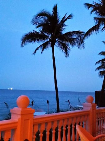 Pelican Grand Beach Resort, A Noble House Resort : Evening on the Veranda...
