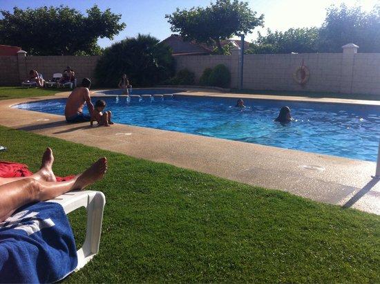 Hotel VIDA Playa Paxariñas: La piscina no es grande, pero más que suficiente