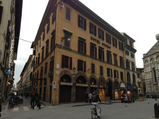 Hotel Duomo Firenze : The hotel from the outside