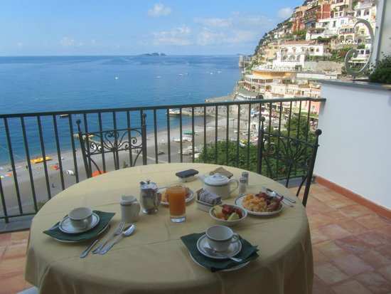 Hotel Buca di Bacco: BREAKFAST ON BALCOLNY