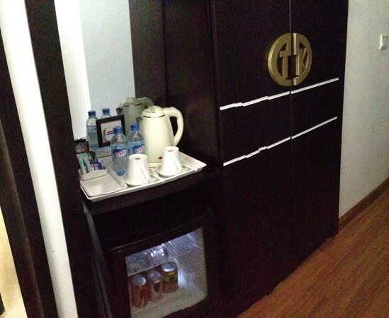 Noble Boutique Hotel: Complementary water and beverages