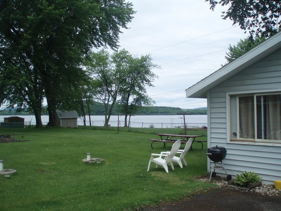 Lake Wisconsin Resort: Great Lakeside relaxation
