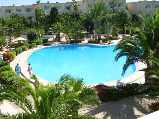 SENTIDO Aziza Beach Golf & Spa: Pool From Outdoor dining Area