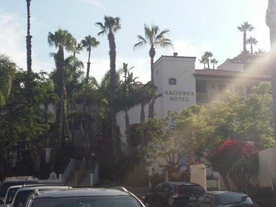 BEST WESTERN PLUS Hacienda Hotel Old Town : View of hotel from street