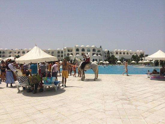 Vincci Helios Beach : spettacolo berbero dalla piscina alla spiaggia