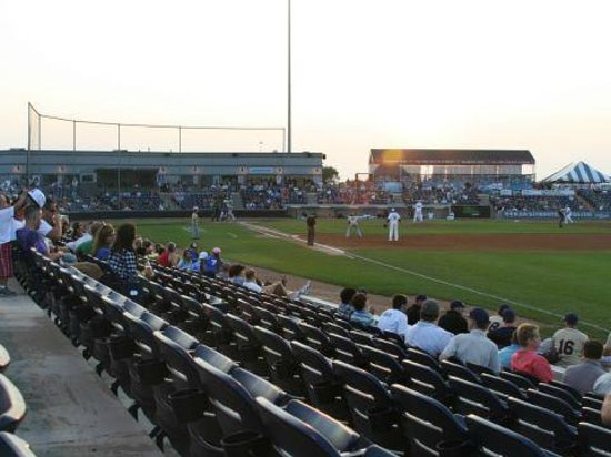 Rockford Riverhawks Baseball: Small bored crowd