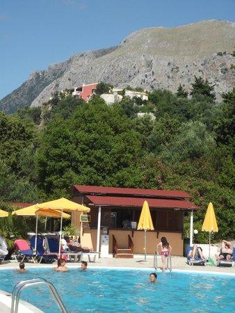 Sunshine Corfu Hotel & Spa: Bar de la piscine