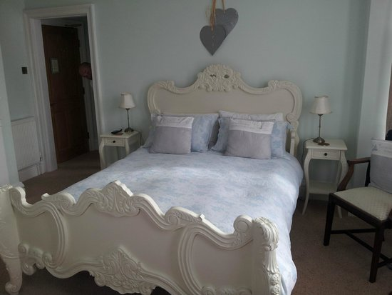 Abbotsleigh: Bedroom