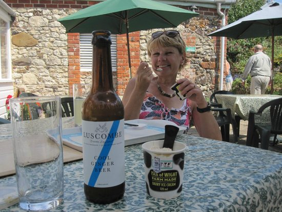 Warren Farm: Ginger beer and Ice cream !