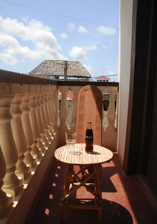 JamboHouse: Relaxing on the private balcony