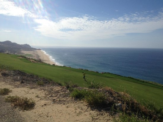 Pueblo Bonito Pacifica Golf & Spa Resort : The view from Quivra golfing hill, on our way to the light house