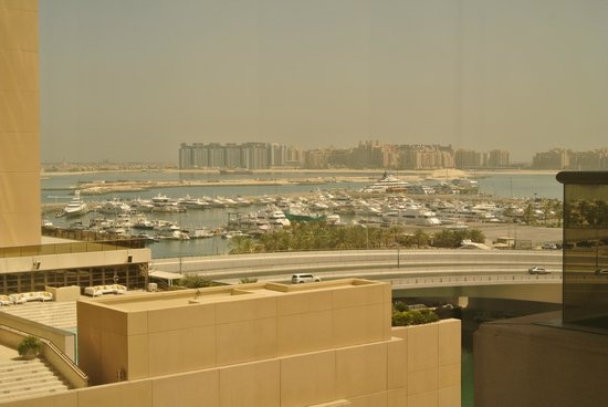 Grosvenor House Dubai: Marina from window