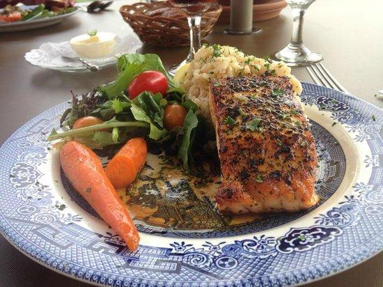 Golden Lamb Buttery: Salmon