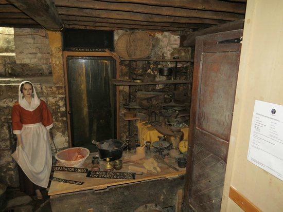 Sally Lunn's Museum : Stalactites behind Glass