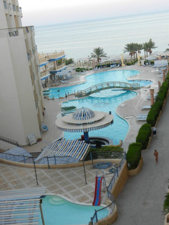 Sphinx Aqua Park Beach Resort Resort : widok z pokoju - 5 rano