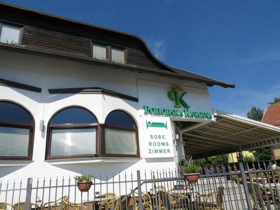 Pohorska Kavarna Guest House : entrata ...