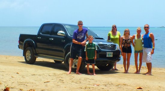 Media Luna Resort & Spa : off road, but on beach (better)