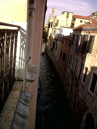 Locanda San Barnaba: View from Communal Terrace along canal towards Grande Canal