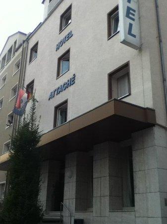 Hotel Attaché an der Messe: L'entrée!