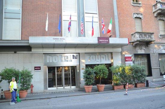Hotel Royal Torino : ben servito da mezzi pubblici