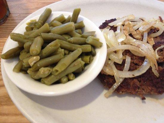 Grillo's Cafe: Hamburger Steak.