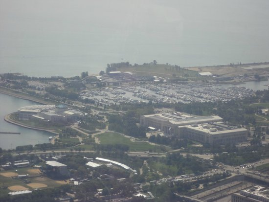 Skydeck Chicago - Willis Tower : View from above
