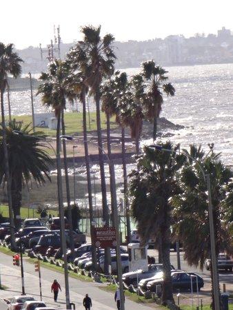 Mercure Montevideo Punta Carretas: Rambla Gandhi