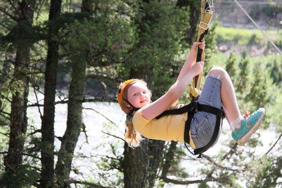 Montana Whitewater Raft Company : ziplining