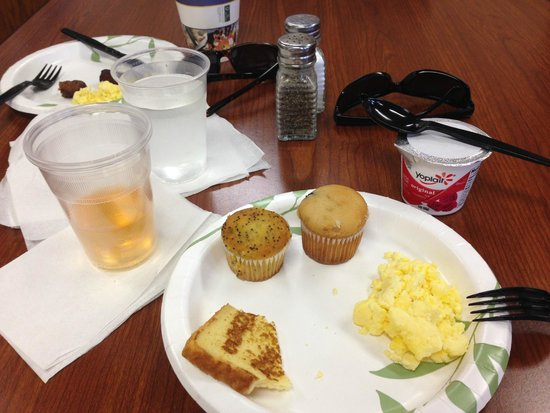 Best Western Coral Hills : Deluxe breakfast with tons of yummy choices