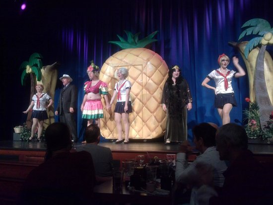 Capone's Dinner and Show : Awesome performance