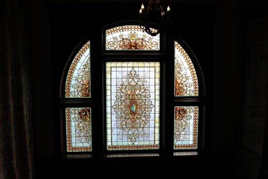 Henderson Castle Inn: inside