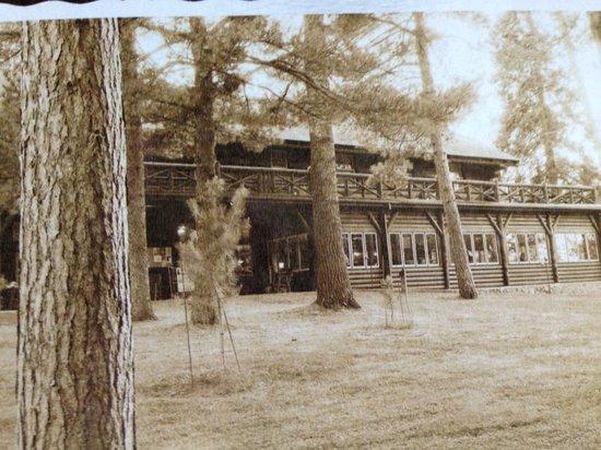 Itasca State Park : PostCard of the Douglas Lodge taken years ago
