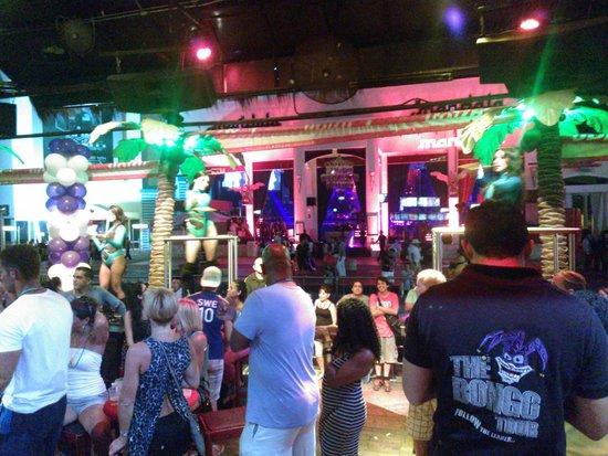 Mandala Cancun: Bailarinas del Mandala