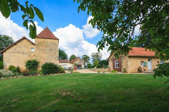 Cendrieux, Frankrike: zicht vanuit de grote tuin