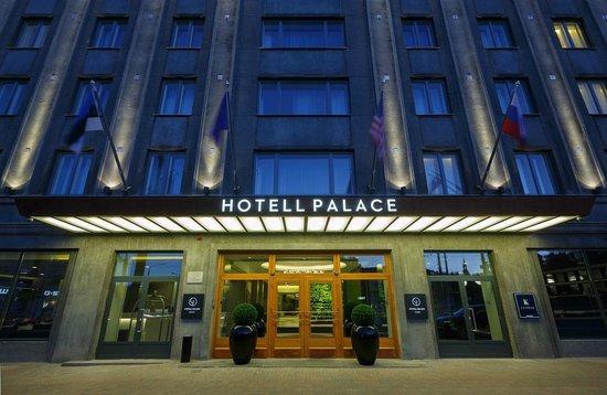 Hotel Palace Entrance (106045503)