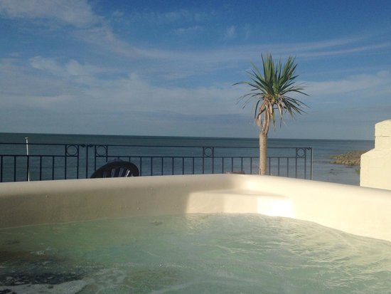 Riviera B&B: View from the hot tub