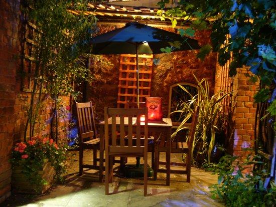 White Hart Hotel: Secret Garden